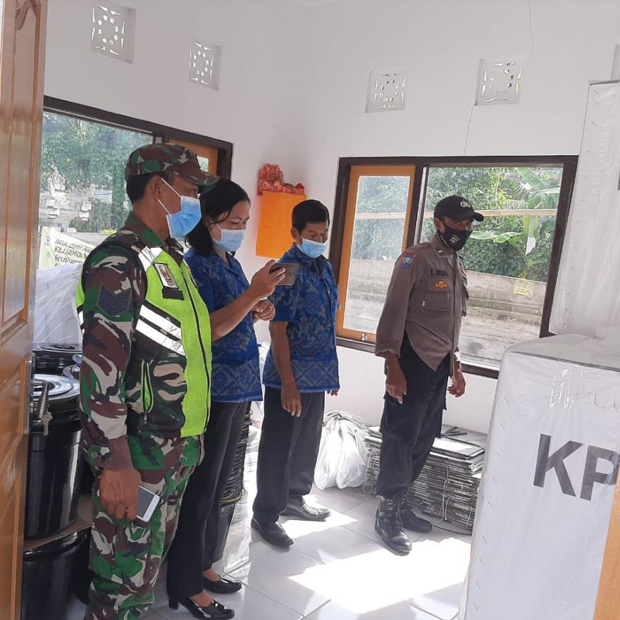 Pendistribusian Logistik Pemilu dari KPU Kabupaten Bangli kepada PPS Desa Jehem